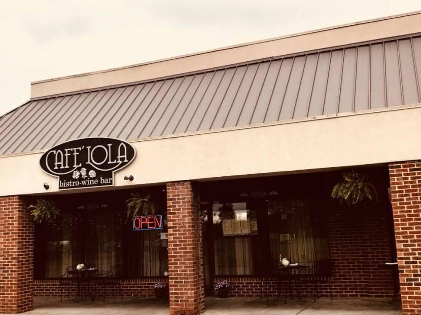 Ooh, La, La: Café Lola Bistro Dishes InternationalCuisine